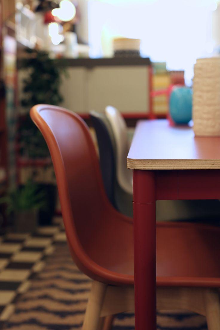 Neu chair Hay, Base bord Muuto hos Futura Classics