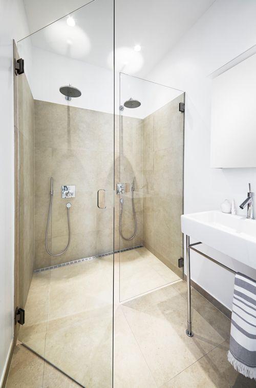 Elgant og stilrent badeværelse med Unidrains modul 1100. #bathroom #badeværelse #design #nordic #scandinavian #inspirational #module1100 #customsolutions