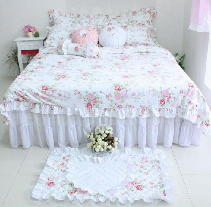 Schlafzimmer Romantische Gestaltung Shabby Chic Stil Bettüberwurf