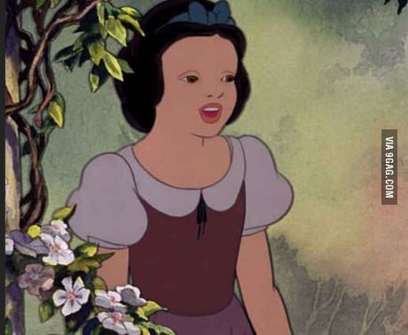 I still can't stop laughing at this damn picture of snow white without her make up.