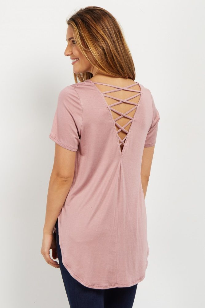 A gorgeous crisscross back maternity top perfect to add to your wardrobe this season. A basic top with a cutout back and crisscross strappy details for an edgy feel and a comfortable fit. Wear this top with a dark wash maternity jean and sneakers for a beautiful finish.