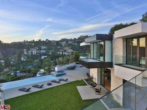 Keanu reeves house hollywood hills buscar con google for Modern homes hollywood hills