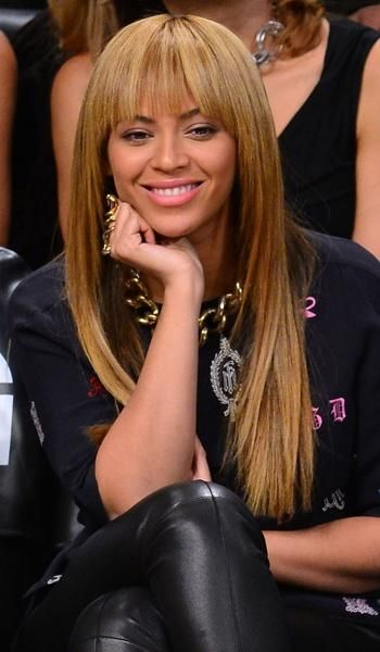 Beyonce S Long Hair With A Fringe Bobs Blunt Bangs Pinterest Bangs Hair Trends And Long Weave