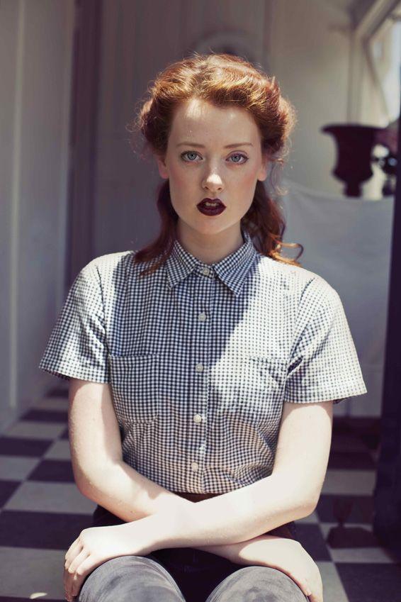 Andrea Jankovic - Mais oui vintage: Gingers Hair Dark Lips, Oui Vintage, Clothing, Makeup, Beautiful, Fashion Changing, Dark Lipsticks, Freckles, Pretty Hair