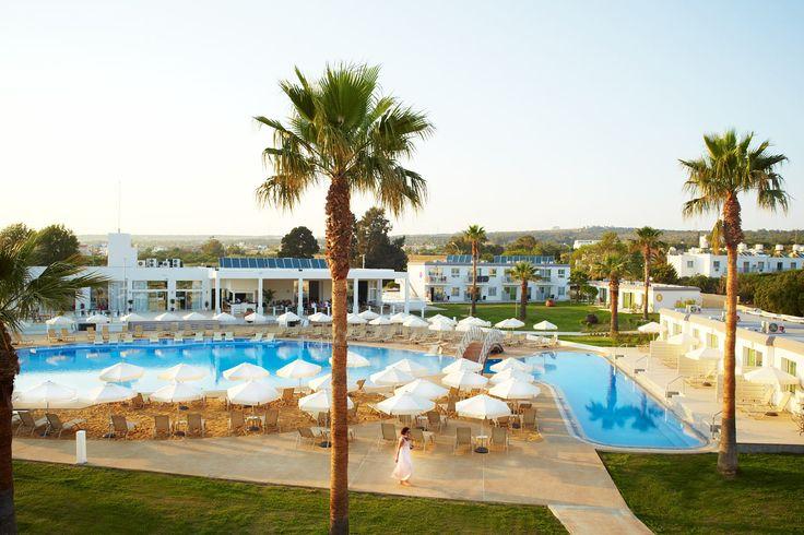 Sunprime Ayia Napa Suites, Cypern. När du bor på Sunprime Ayia Napa Suites bor du centralt och har både Nissi Beach och den populära Sandy Bay-stranden på promenadavstånd från hotellet. I närheten av hotellet hittar du massor av restauranger och bra shopping. Läs mer på http://www.ving.se/cypern/ayia-napa/sunprime-ayia-napa-suites/?utm_source=pinterest&utm_medium=social-media&utm_campaign=sunprime_map
