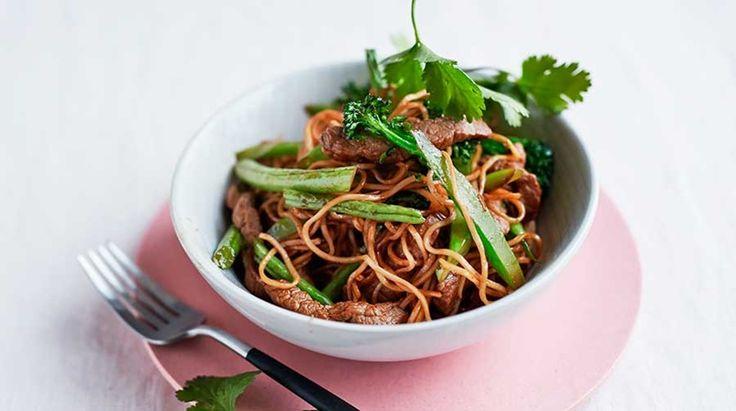 Kalve-wok med nudler. Shiratake nudler + mere kød