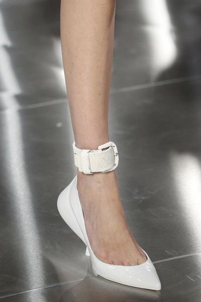 Maison Margiela Spring 2016 Ready-to-Wear Fashion Show ...