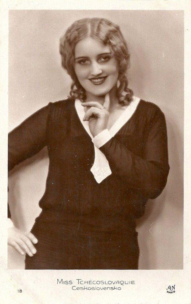 Ретрокрасавицы с конкурса «Мисс Европа — 1930» 10. Мисс Чехословакия Милада Досталова.