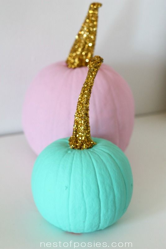 Glittered Pumpkins - a tutorial.  It's so easy & fast!