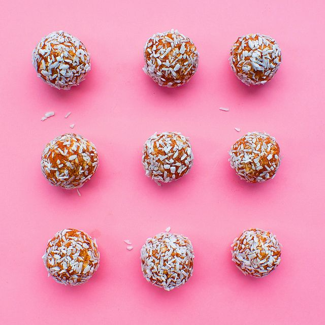 Coconut balls with dried apricots and cinnamon Кокосовые шарики с курагой и корицей | Salatshop ♥ You