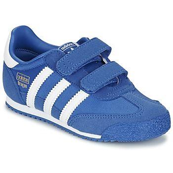 Dit trendy model van Adidas Originals staat voor een sportieve en modieuze stijl!  Dankzij de blauwe textielen schacht is dit model geschikt voor elke dag. Het model Dragon Og Cf I is voorzien van een  synthetische binnenvoering en een rubberen zool.   De kids springen een gat in de lucht! - Kleur : Blauw - Schoenen Kind € 49,95