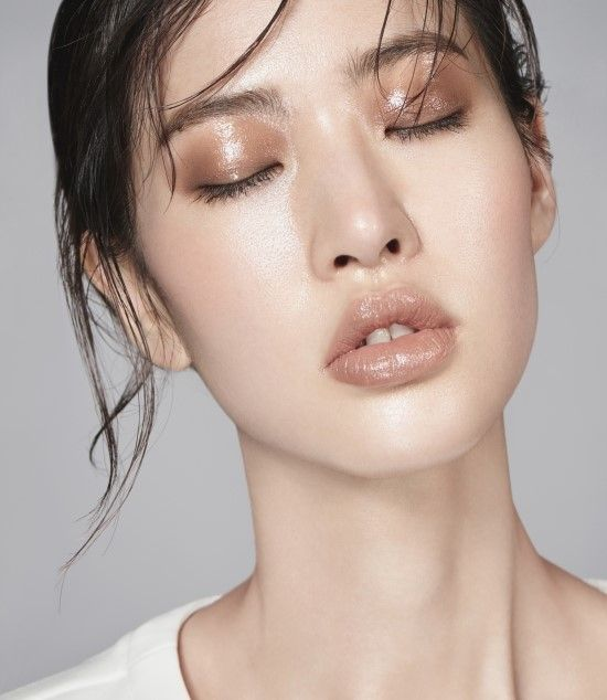brown + nude X wet lips + wet eyes X healthy matte foundation = Yoo Ji Ahn…