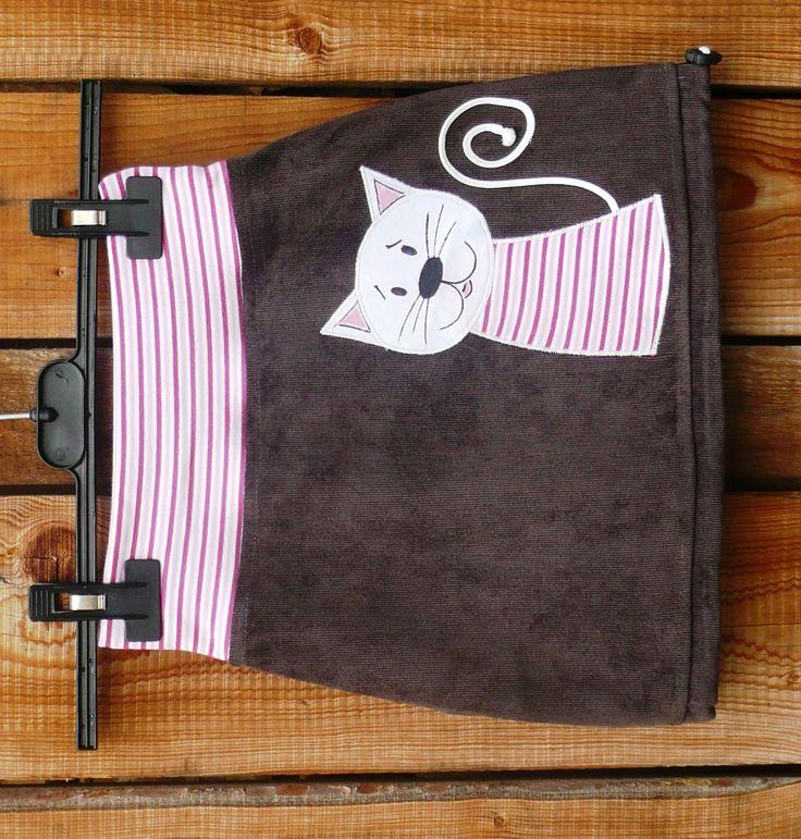 """<span>Manžestrová s kočičkou   <a href=""""http://img.flercdn.net/i2/products/4/9/2/220294/5/5/5587780/vxhvxkcytvglpn.jpg"""" target=""""_blank"""">Zobrazit plnou velikost fotografie</a></span>"""
