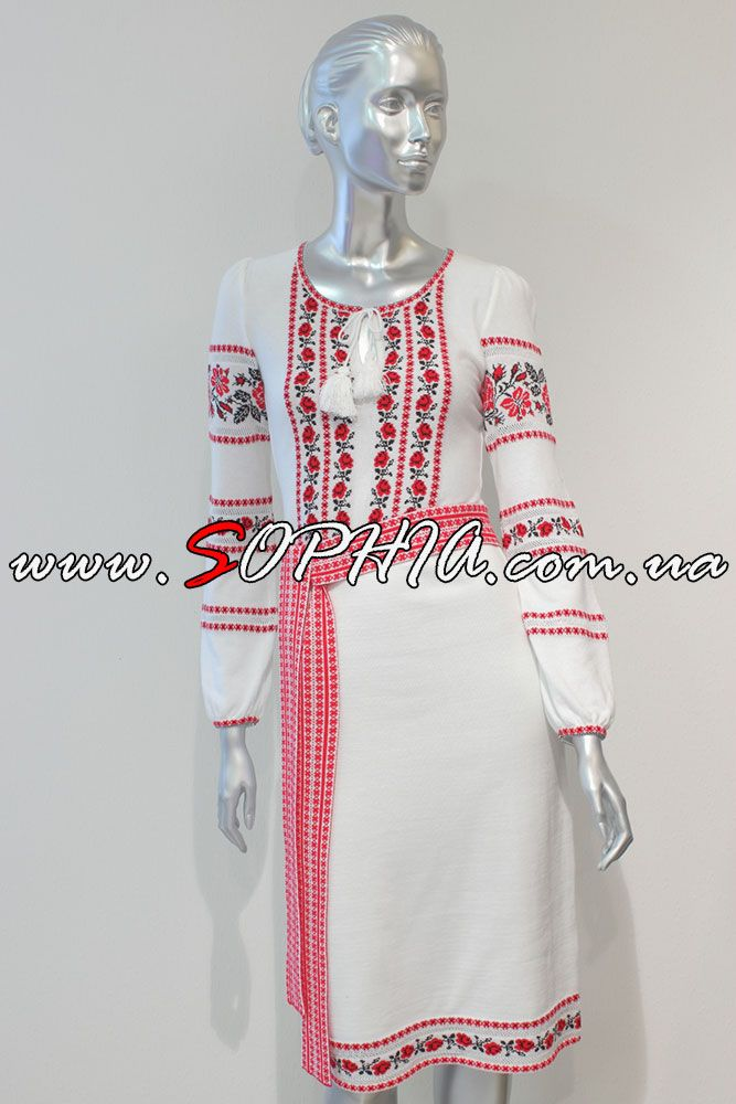 женское трикотажное платье в национальном стиле