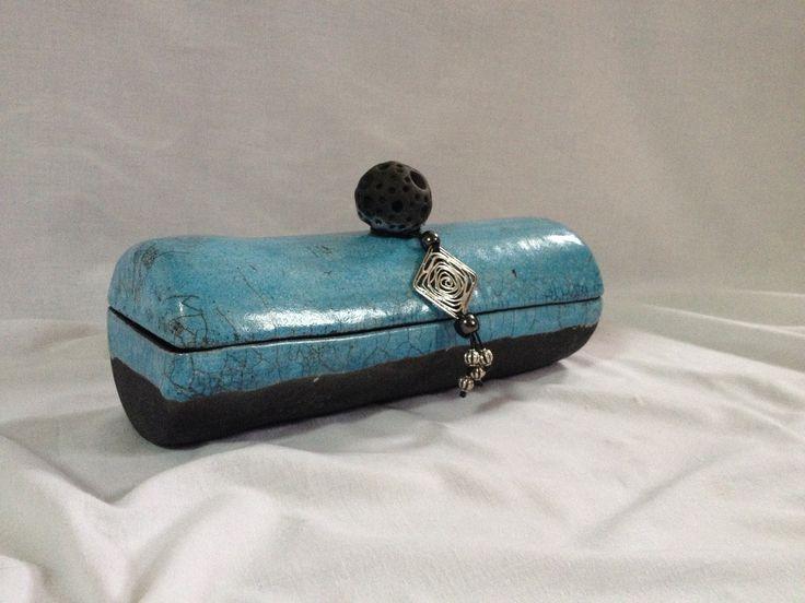boîte céramique raku émail bleu et blanc : Boîtes, coffrets par tiboudflam