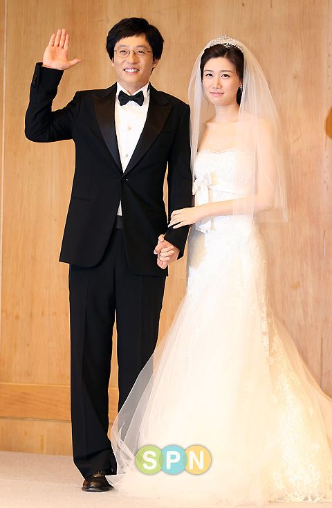 Yoo Jae Suk and Na Kyung Eun on their wedding day~