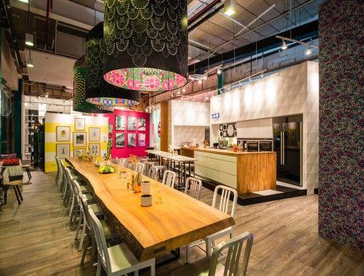 Best 25 pop up cafe ideas on pinterest food trucks near for Food bar near me