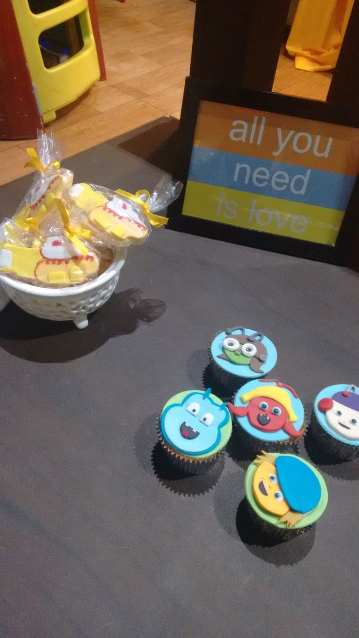 Beat Bugs Yellow Submarine Candy @ Doces