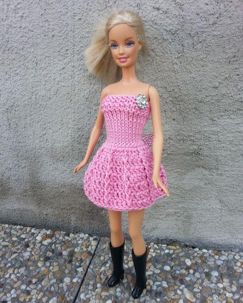Světle růžové šaty pro Barbie