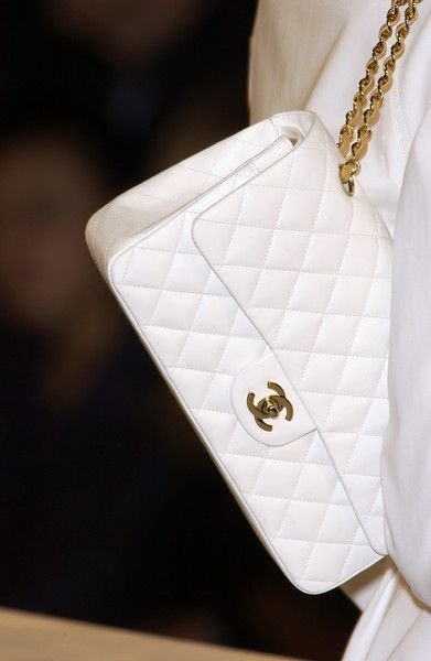 Chanel QuiltedWhite Chanel, Coaches Handbags, Chanel Handbags, Chanel Bags, Chanel Baby, Handbags Collection, Awesome Handbags, Chanel Flap, Fashion Handbags