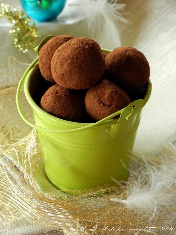 Truffes au chocolat et aux dattes