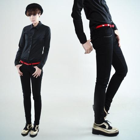 red belt + black skinny set from coii.co.kr.