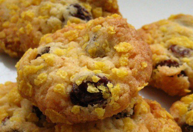 Cornflake, sultana and apricot biscuits - Real Recipes from Mums