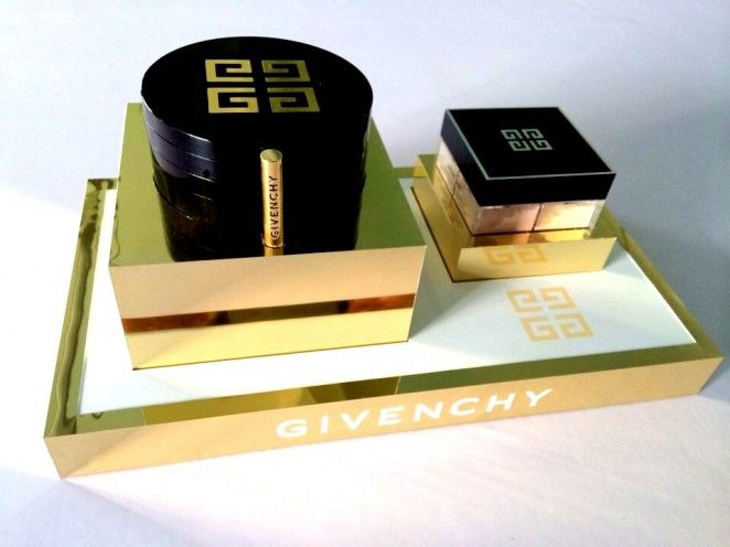 Givenchy Luxury Cosmetics Brand Glorifier Counter Display Gold White Podium Make-up Stand Loose Powder Silkscreen Logo POS POP Yamei Group