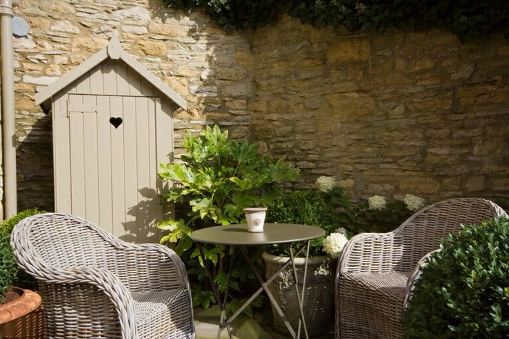 The courtyard garden is the perfect spot to enjoy a morning coffee or romantic afternoon tea.