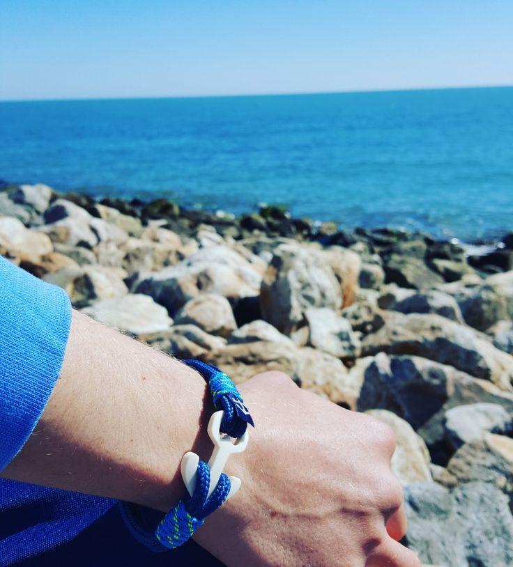 Blue is my favorite colour ⚓❤  www.branmarion.com  #nauticalbracelets #pulserasnauticas #sailor #bracelets #handmade #handmadeatamazon #etsy #custombracelet #jewelry #marinero #armband #braccialetti #sea #surf #kayak #watersport #yachting #boating #fashion #moda
