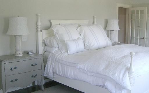 Molly Frey Design: Bedrooms Bedroom Decore, Bedroom Inspiration, Andrews Lane, Dream House, Guest Bedroom, Fluffy White, Master Bedrooms, White Bedroom, Fluffy Bed