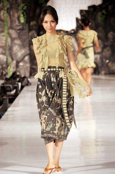 Neglect 013   #lurik #batik #silk #naturalproduct #tiedye #DIY #handmade #wearableart #ecofashion #yogya #jogja #indonesia
