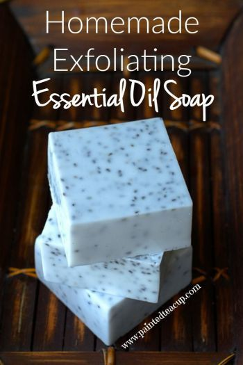 Homemade Exfoliating Essential Oil Soap that takes less than 10 minutes to make! Easy affordable diy soap, perfect for Mother's Day!