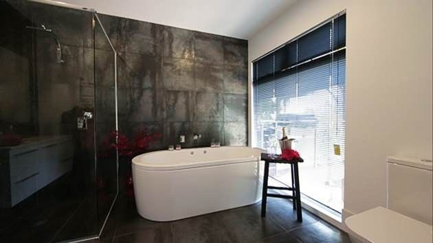 Beautiful bathroom from House Rules 2014