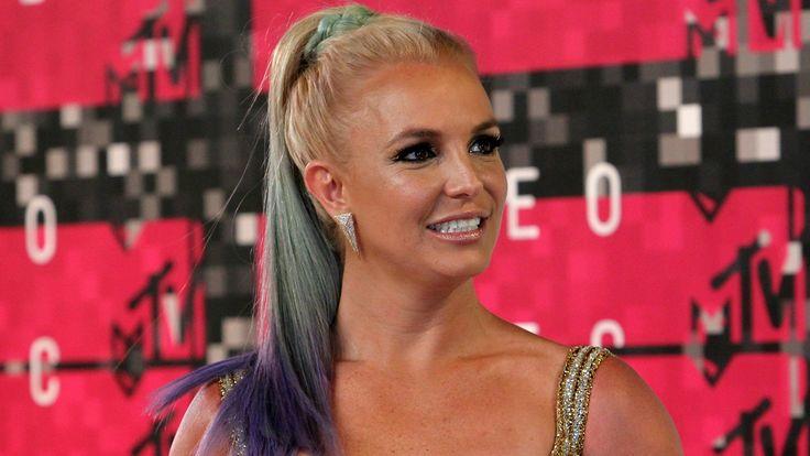 Britney Spears Goes Makeup-Free In Her New Instagram Selfies #BritneySpears celebrityinsider.org #Fashion #celebrityinsider #celebrities #celebrity #celebritynews #fashionnews