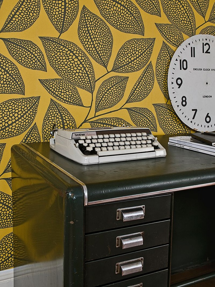 MissPrint Pebble Leaf Wallpaper in Honeybee