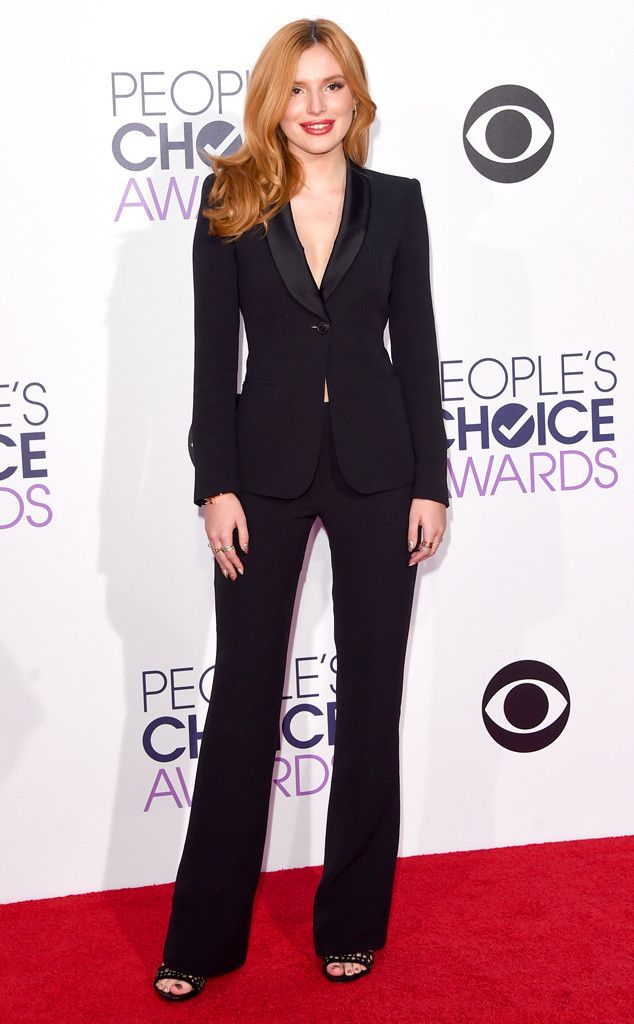 Todos os looks do tapete vermelho do People's Choice Awards 2016: Bella Thorne, People