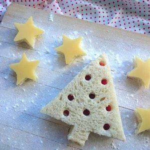 Kerstontbijt of kerstlunch voor kinderen! Leuke broodjes speciaal voor kerst. Meer kerstrecepten voor kinderen op de site! http://dekinderkookshop.nl/recepten-voor-kinderen/kerstontbijt/ Fun and easy christmas breakfast or lunch.