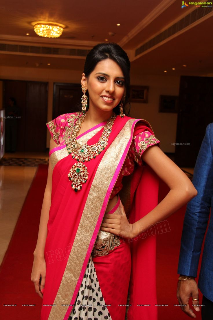 Hot Pink saree with heavy jewelry