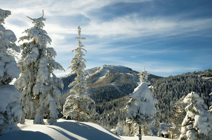 These Perfect Cold Weather Travel Destinations Are Made For Snow Bunnies Deer Valley Resort Best Ski Resorts Best Winter Vacations