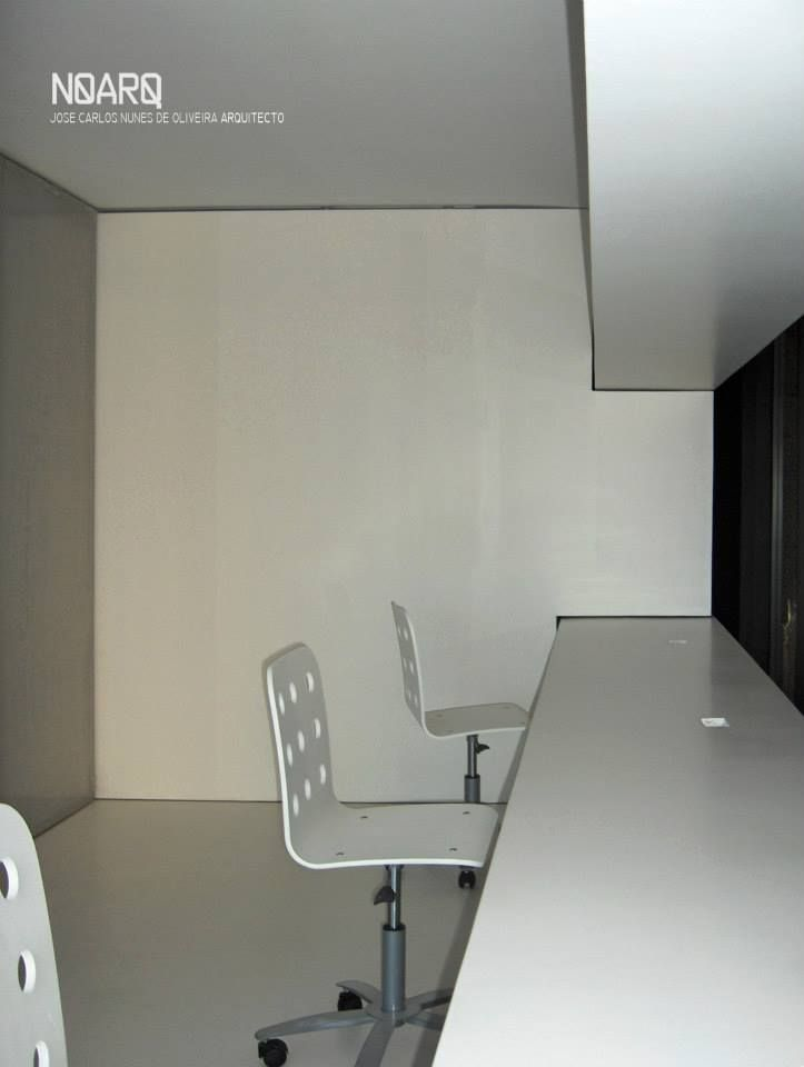 VACSY – Operator/Telephonist Room  - #noarq #renovation #interiors #workspace #furnituredivisionwall #furnituredesign #epoxi #greydesign by José Carlos Nunes de Oliveira - © NOARQ - Photography by  José Carlos Nunes de Oliveira
