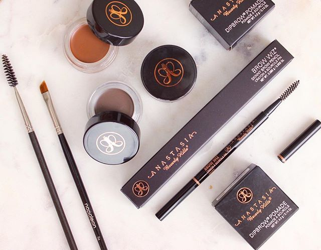 I love my new collection of @anastasiabeverlyhills brow products. They are my EVERYTHING!  #makeup #beautyblogger #makeuplover #makeupartist #makeupaddict #makeupjunkie #photooftheday #picoftheday #fotd #eyebrows #eyes #makeupoftheday #katefranklinmakeup #ilovemakeup #lovemyjob #beautiful #makeupartistsydney #motd #mua #beauty #makeupporn #makeupcommuntiy #bblogger #dipbrow #browwiz #instamakeup #instabeauty #lookoftheday #makeuplook #anastasiabeverlyhills