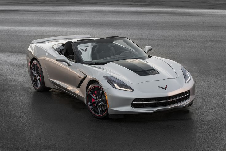 Offered on 2016 Corvette Stingray and Z06, the Jet Black Suede Design Package features a unique Jet Black sueded microfiber interior, including a microfiber-trimmed steering wheel and shifter, and additional carbon fiber trim.