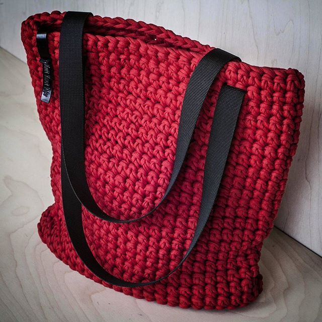 WEBSTA @ knitknotkiev - Finally the red tote is here! #KnitKnotKiev #crochet #totebag #tote #zpagettiyarn #zpagetti #tshirtyarn #handmade #madeinukraine