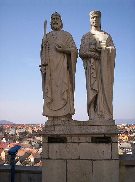 My 28th ggp: Statue of King Stephen I and Queen Gisela in Veszprém.