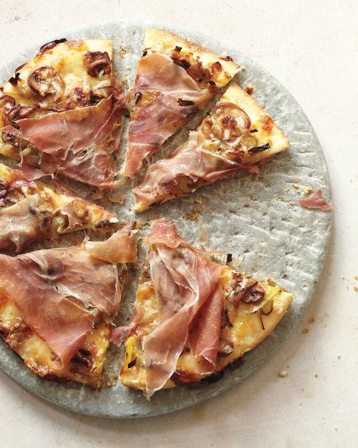 Ultra-Thin-Crust Pizza with Onions, Mushrooms, and Ricotta