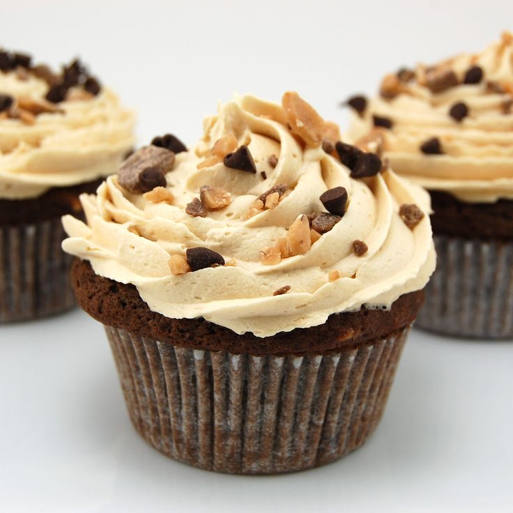 Toffee Mocha Cupcakes [SWEET MOTHER OF GOD, I NEED TO MAKE THESE IMMEDIATELY]