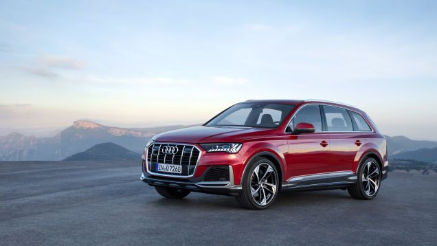 The 2020 Audi Q7 S Grille Is Aggressive But The Real Changes Are In The Interior If You Ve Done Something Right Cars Autos Autom Audi Q7 New Audi Q7 Audi