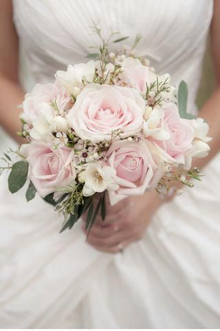 Beautiful real #wedding #flower ideas: http://www.weddingandweddingflowers.co.uk/article.php?id=272=1=2407