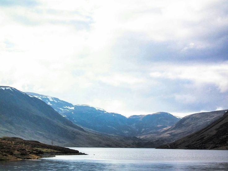 Loch Turret  tag who you  would  explore with. #uk #scotland #visitscotland #europetrip #travel #explore #adventure #hiking #holiday #beautiful #lovescotland #insta_scotland #view #countryside #landscape #mountain #britan #water #scenery #loch #lochturret #crieff #walking #lake #travel #igscotland #earth #planetearth #adventureculture #instagood #picoftheday